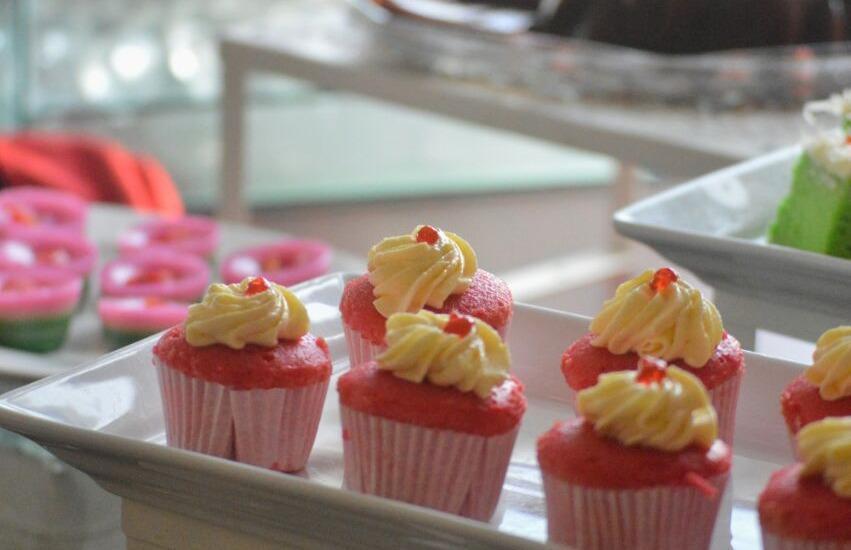 Hotel Gunawangsa MERR Surabaya - Food