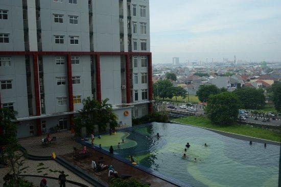 Hotel Gunawangsa MERR Surabaya - Kolam Renang