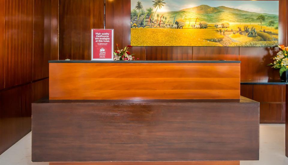 ZEN Premium Tuban Airport Bali - Resepsionis