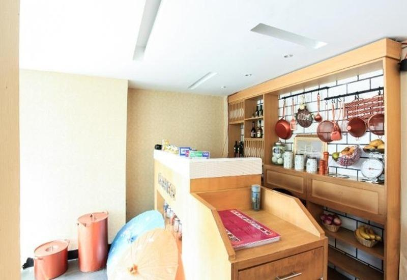 Seven Nite Inn Palembang - Interior