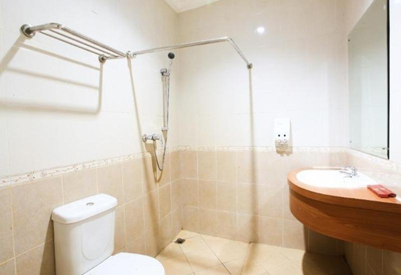 Home Inn Palembang - Kamar mandi