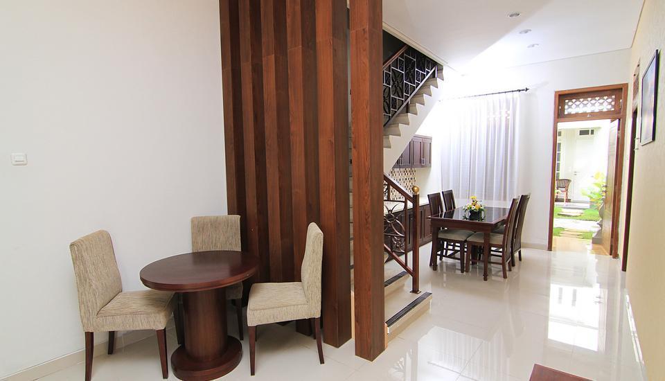 Gambir Anom Hotel & Villa  Solo - Interior Villa