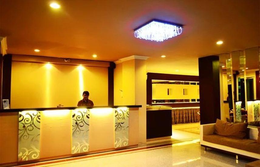 Hotel 88 Diponegoro Jember - Lobby