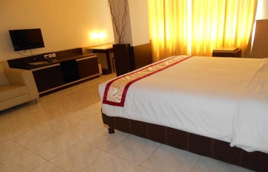 Hotel 88 Diponegoro Jember - Room