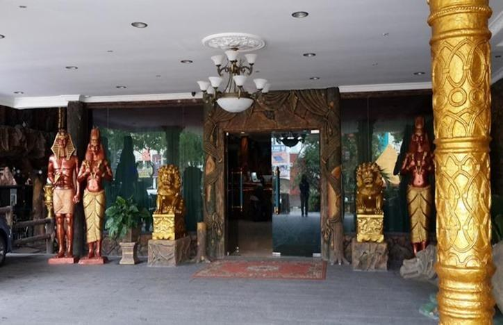 Hotel 01  Batam - Entrance