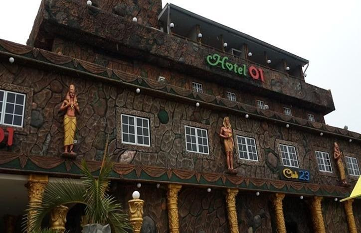 Hotel 01  Batam - Tampilan Luar Hotel