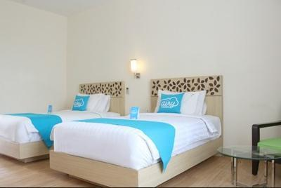 Airy Kuta Karang Tenget 15 Bali - Superior Twin Room Only Special Promo Jan 5