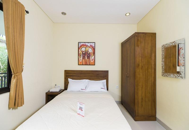 RedDoorz @Pura Demak Marlboro 2 Bali - Kamar tamu