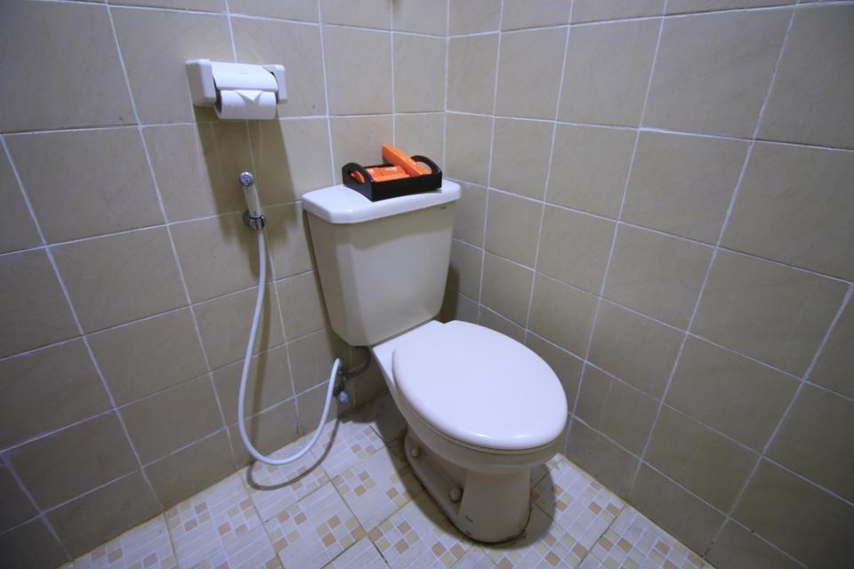 Hotel Aryuka Yogyakarta - Bathroom