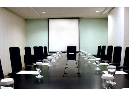 Hotel TS Suites Surabaya - Meeting Room