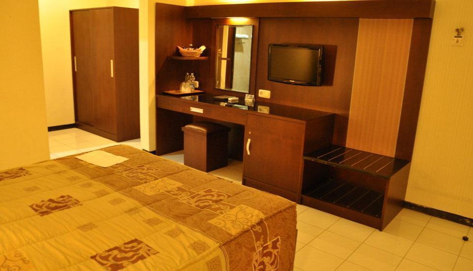 Hotel Wisanti Jogja - Deluxe Room Jogja Holiday
