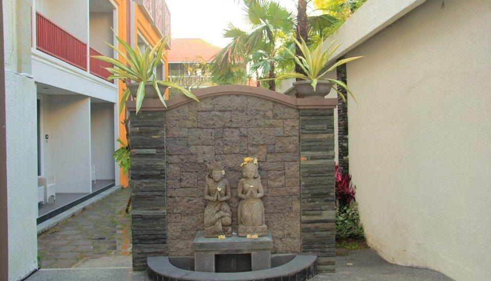 Transera Kamini Legian Hotel Bali - entrance