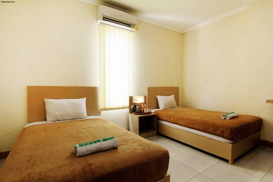 Masrilink's Guest House Jogja - Superior Twin Room Only Minimum Stay