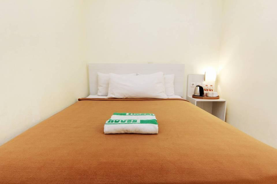 Masrilink's Guest House Jogja - Superior Double Room Only Minimum Stay
