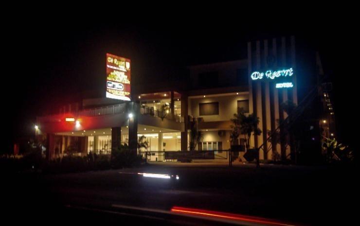 De Resort Mojokerto - y