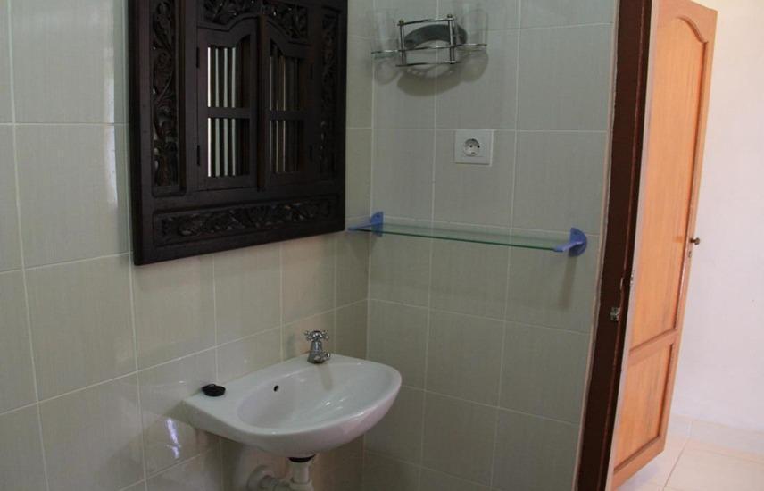 Suji Bungalow Bali - Kamar mandi