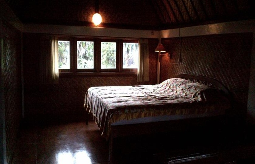 Suji Bungalow Bali - Family Room with AC Special Deal