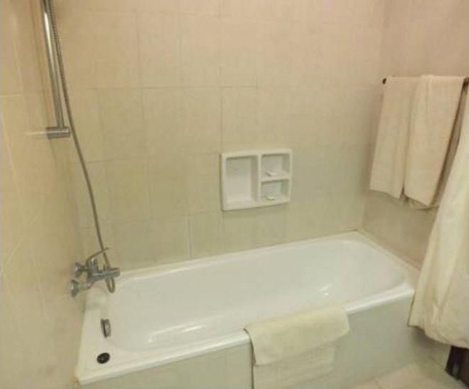 Besakih Beach Hotel Bali - Bathroom
