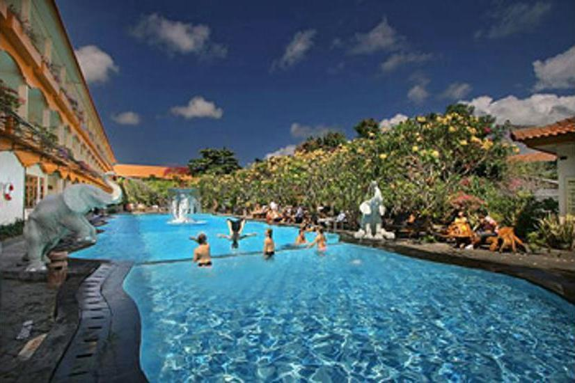 Febri's Hotel & Spa Bali - Outdoor Pool