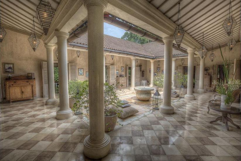 BALQUISSE Heritage Hotel Bali - Courtyard