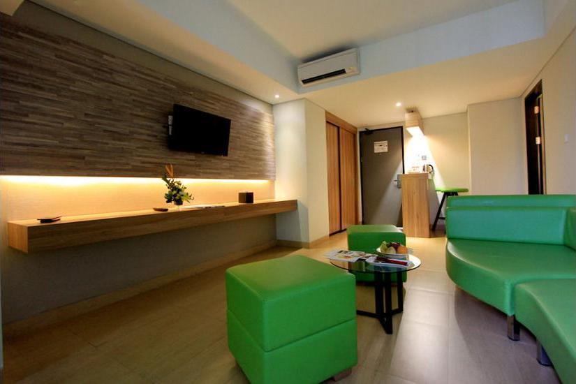 Hotel Dafam Fortuna Seturan - Living Area