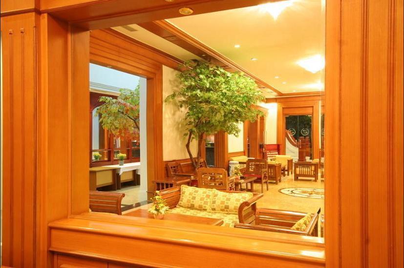 Sahira Butik Hotel Bogor - Lobby Sitting Area