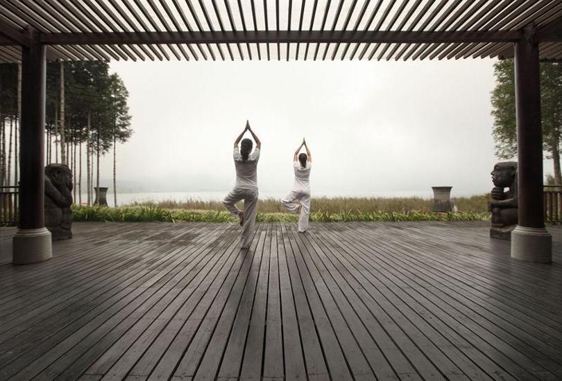 Puri Candikuning Bedugul - Yoga
