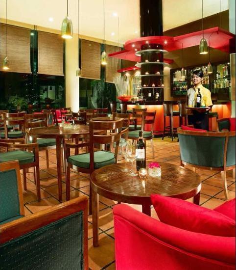 ibis Tamarin Jakarta - Hotel Bar