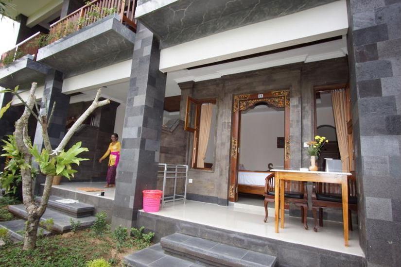 Okawati Hotel Ubud - Porch