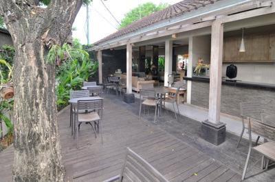 Airy Kuta Nyangnyang Sari 7 Bali - Restaurant