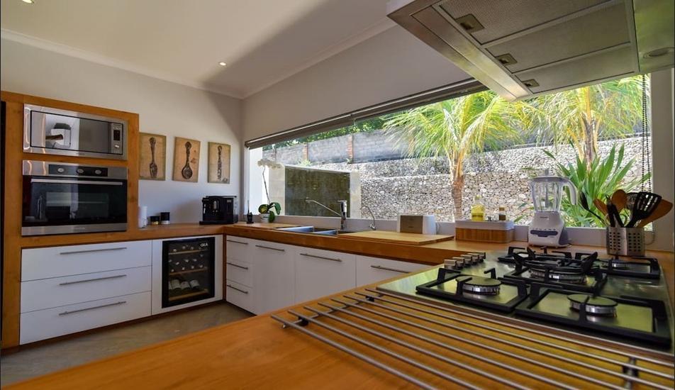 The View Villa Lovina Bali - Kitchen