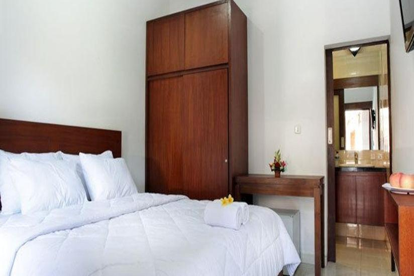 Puri Jayaraja Guest House Bali - Deluxe Room Only Promo 50% discount - NON Refundable!!