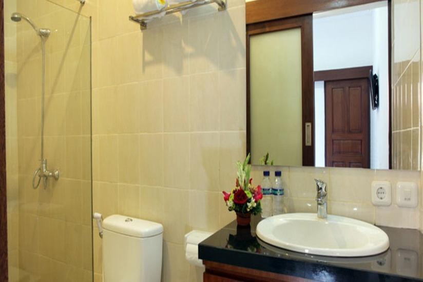 Puri Jayaraja Guest House Bali - Kamar mandi