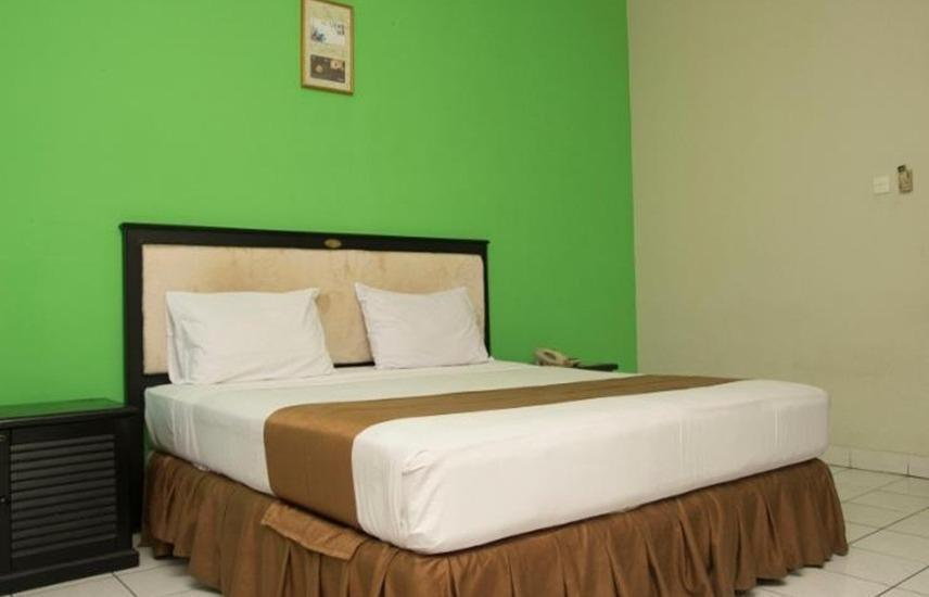 The Posters Hotel MICE Bandung -  Standard Room With Breakfast Regular Plan