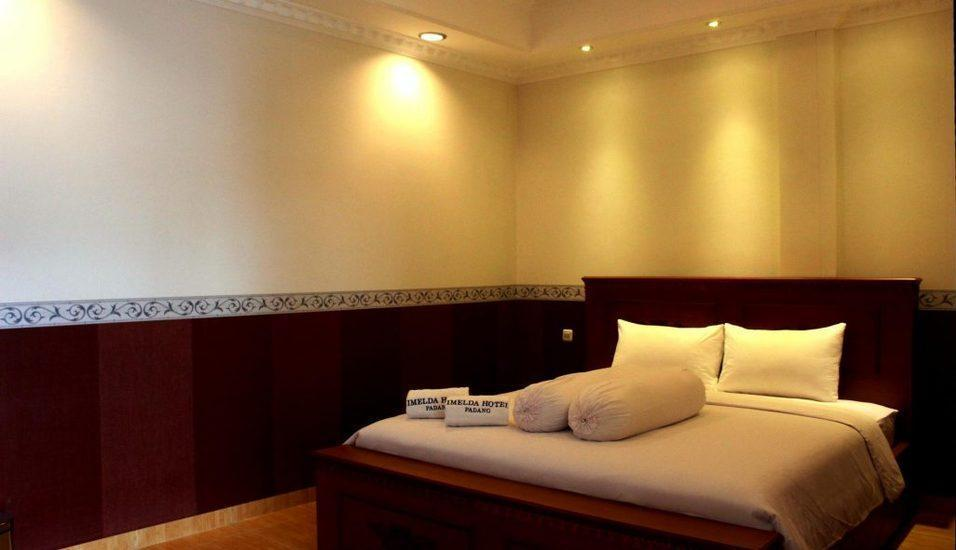 Imelda Hotel Padang - Superior Room Only Regular Plan