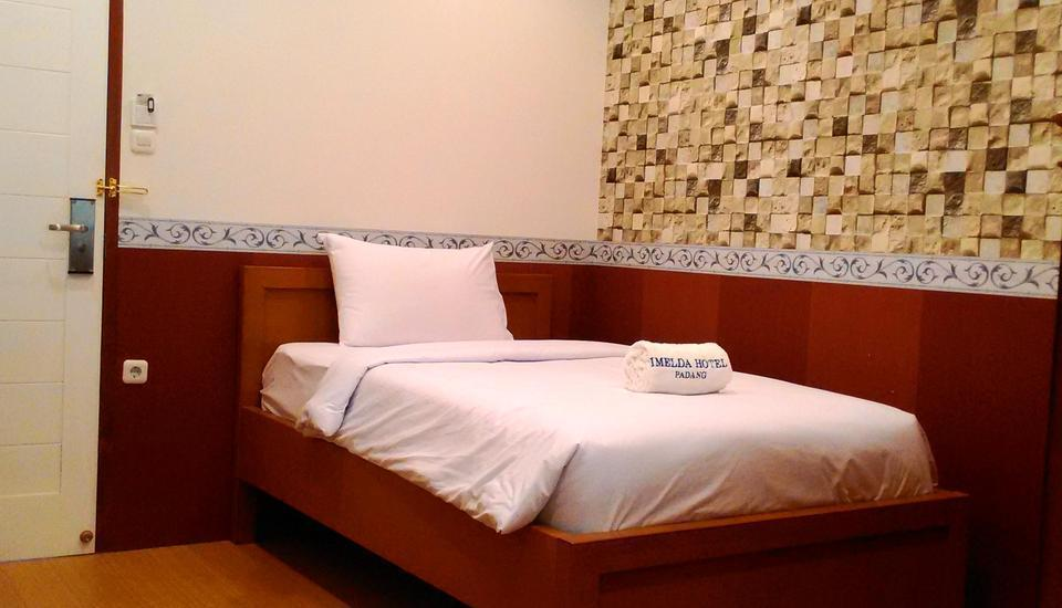 Imelda Hotel Padang - Smart Room Only Regular Plan