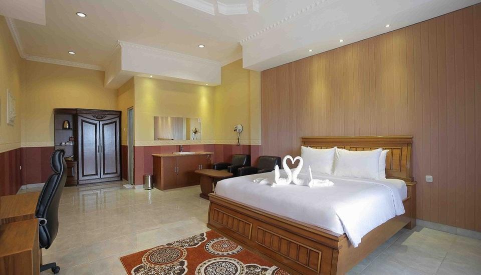 Imelda Hotel Padang - Executive Kamar Tidur