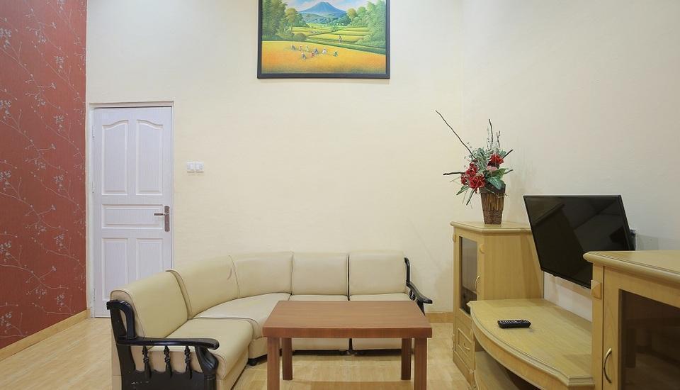 Imelda Hotel Padang - Villa Ruang Tamu