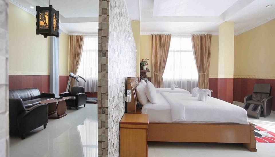Imelda Hotel Padang - Suite Room