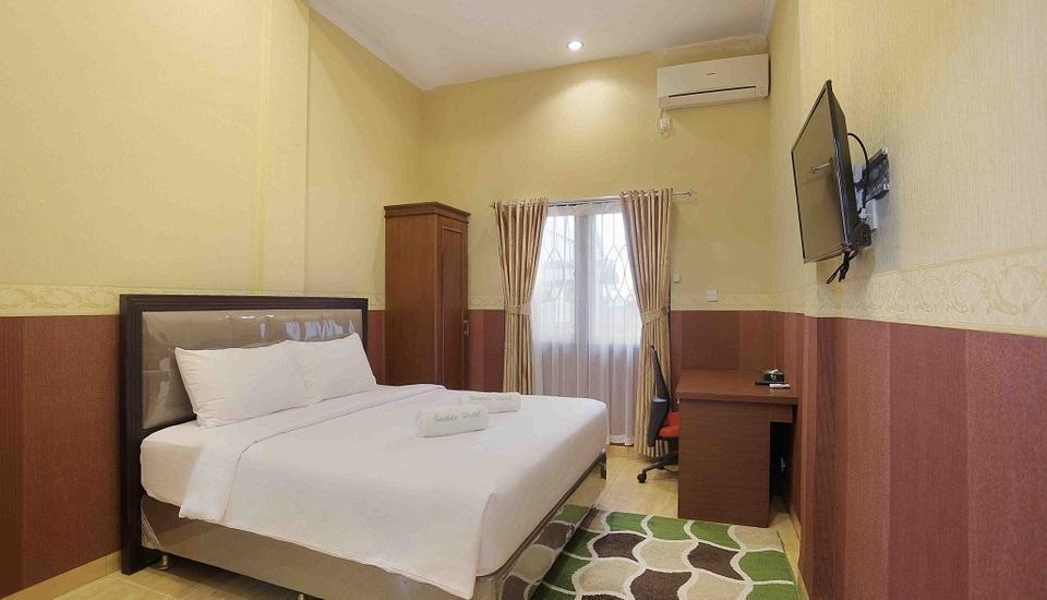 Imelda Hotel Padang - Villa Bed Room
