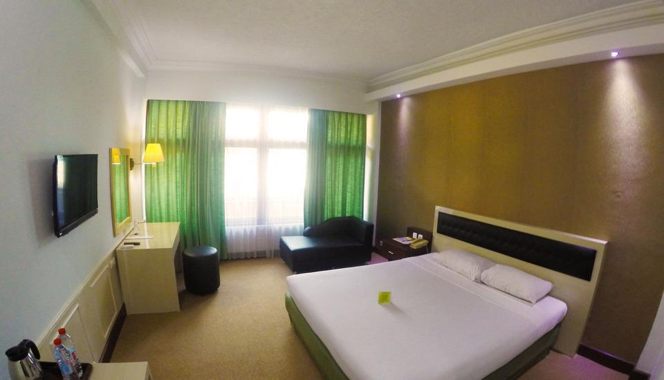 Mutiara Hotel Cilacap - Deluxe Double Regular Plan