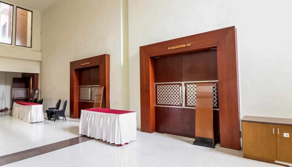 NIDA Rooms Colombo Komplek Karang Marang - Ballroom