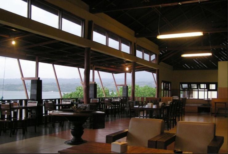 Saulina Resort Parapat - restaurant