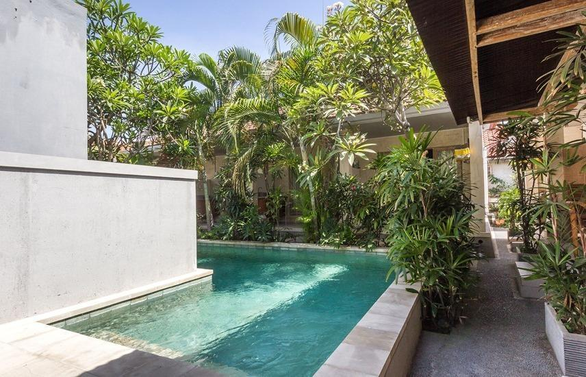 RedDoorz @Sanur 2 Bali - Kolam Renang