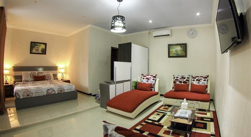 Hasanah Buring Guest House Malang - Kamar