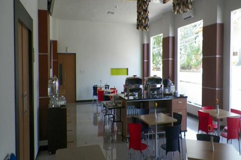Hotel Artha Kencana Makassar - Ruang Makan