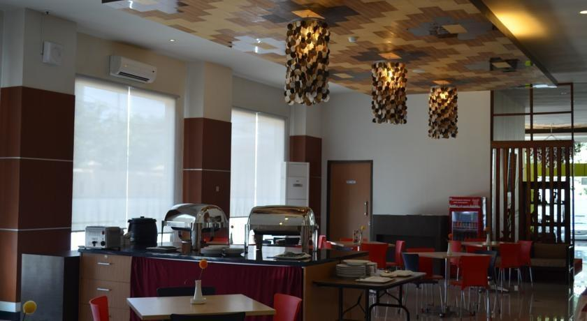 Hotel Artha Kencana Makassar - Resto