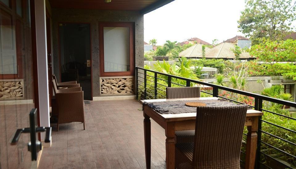 ALINDRA Villa Bali - Terracota Prime Suite - Balcony