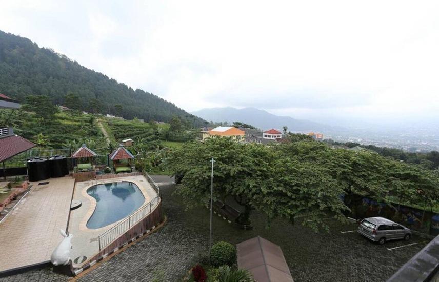 Hotel Panderman Indah Malang - Exterior