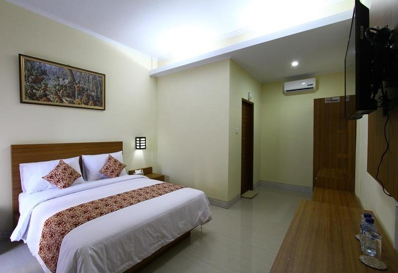 Rade Guest House Bali - Deluxe Double Room with Breakfast Special Sale